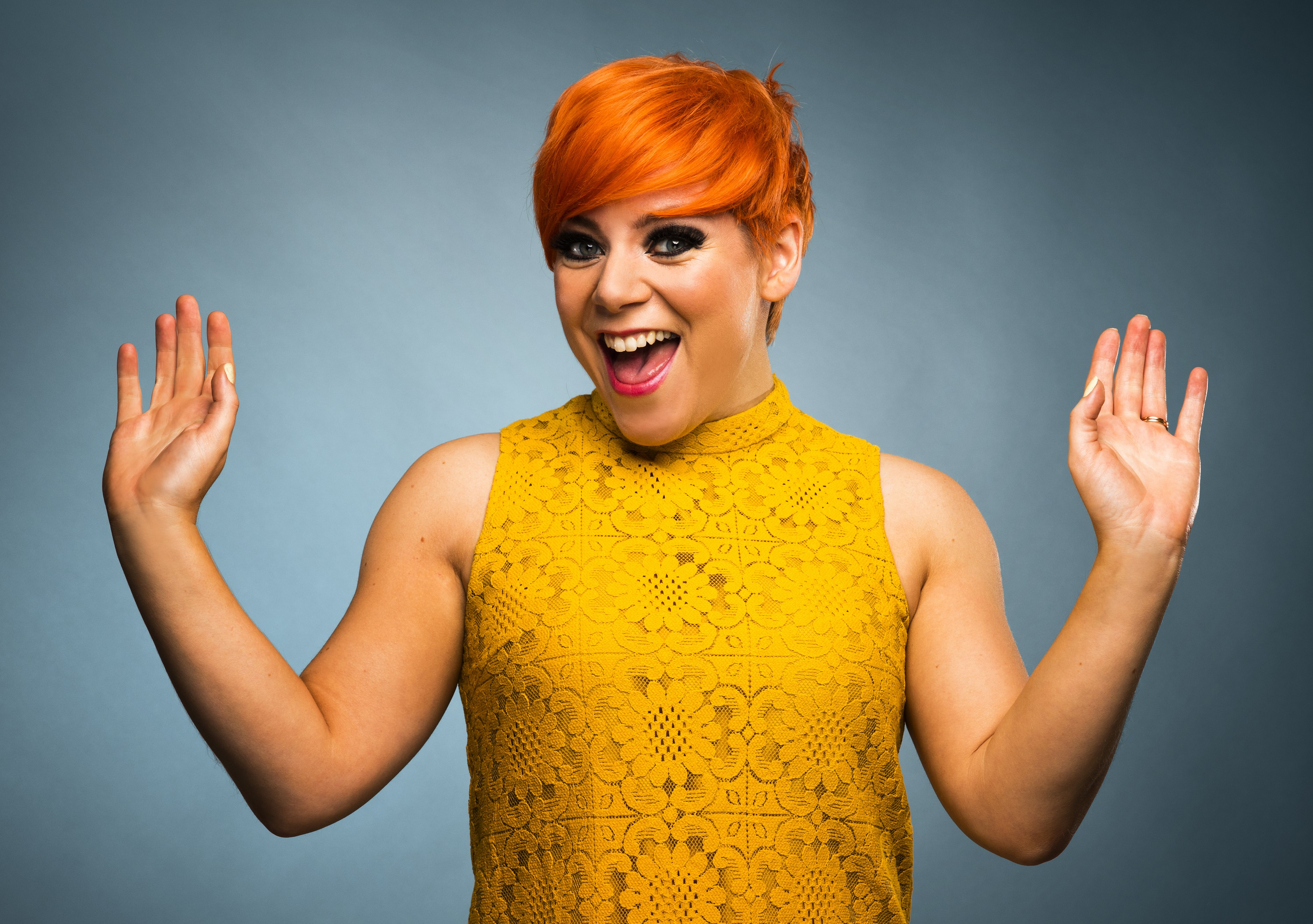 Victoria Jones as Cilla in 'CILLA AND THE SHADES OF THE 60s' photo by Darren Bell (4))