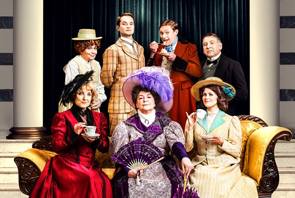 REVIEW - THE IMPORTANCE OF BEING EARNEST