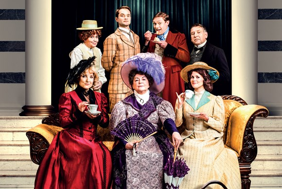 REVIEW | THE IMPORTANCE OF BEING EARNEST