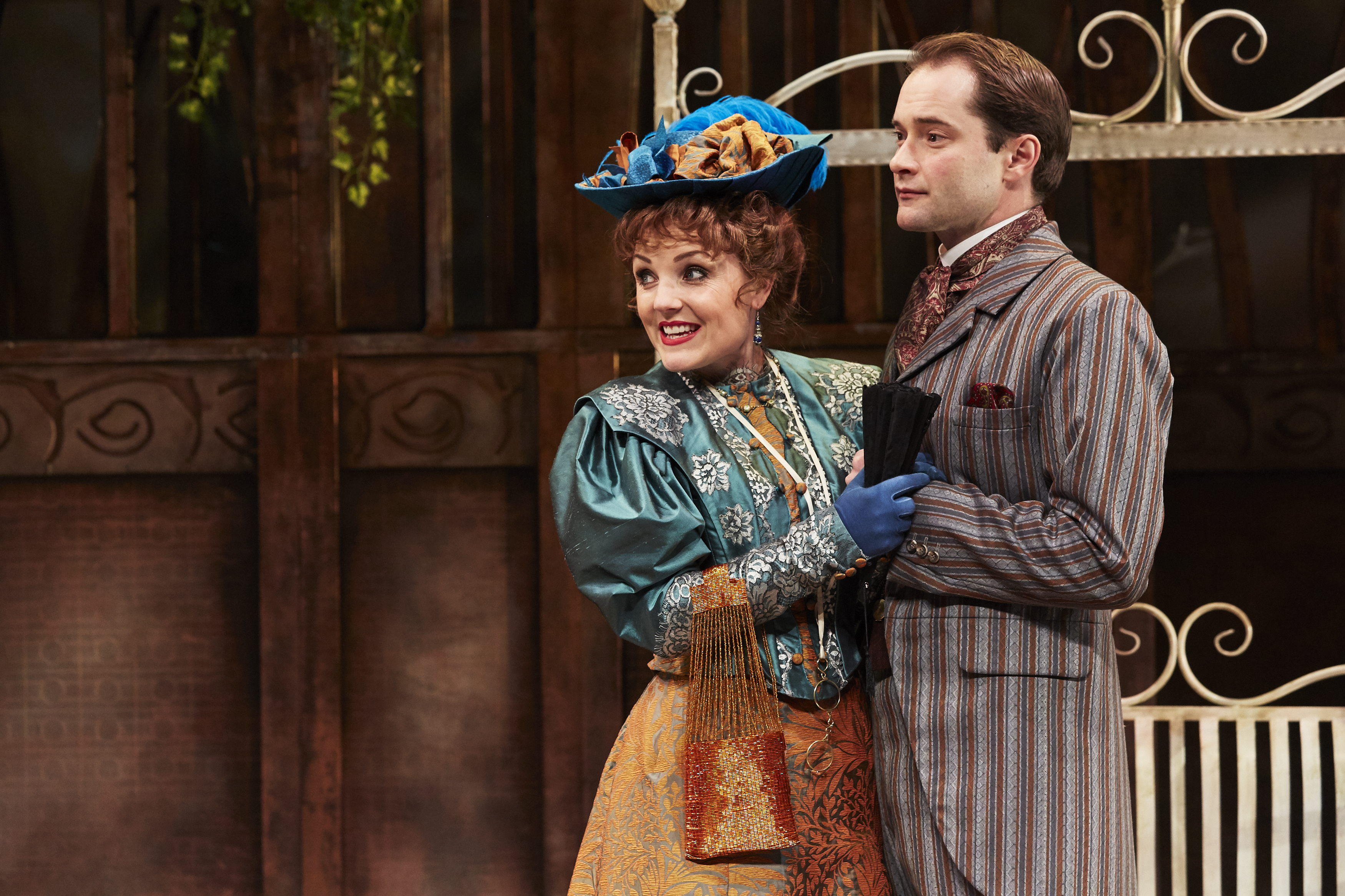 Kerry Ellis as Gwendolen & Peter Sandys-Clarke as Jack in THE IMPORTANCE OF BEING EARNEST, credit The Other Richard (2)